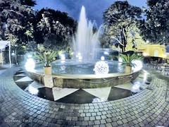 Fontana luminosa (ioriogiovanni10) Tags: foto nuit notte night inverno gennaio photographer hero6 gopro roma luci lights acqua fontana fotografo