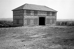 Hampshire barn 1979 (mr broddy) Tags: barn hampshire tile roof stone brick structure building farm field mud