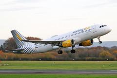 EC-LVO 2 Airbus A320-214S Vueling Airlines MAN 14NOV18 (Ken Fielding) Tags: eclvo airbus a320214s vuelingairlines aircraft airplane airliner jet jetliner