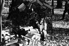 «The feeling of autumn» (Andrey  B. Barhatov) Tags: moscow russia autumn filmphotography filmphoto filmtype135 filmfilmforever filmisnotdead filmoriginal filmmood film analog expiredfilm overduefilm blackandwhiteonly bnwfilm blackandwhite noiretblanc bnwmood bnwdark bw bnw bwfp streets ru streetphoto streetnotes pokrovskystreshnevo msk people citywalks city ilfordpan400 ilford grain fall park nature 35mm nikonlitetouchzoom120edaf nikonlitetouchzoom street россия москва осень стараяфотопленка пленка фотопленка просрочка покровскоестрешнево 2018 sredafilmlab pakonf235 чернобелое чб город городскиезаметки парк monochrome monotone girl девушки cityandpeople люди наблюдатель настроение classicalblackwhite