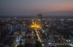 Yangon (Rolandito.) Tags: south east southeast asia südost asien myanmar burma birma birmanie birmania rangoon rangun yangon sule pagoda vantage point dusk twilight illumination illuminated