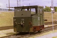DB ASF 100 (bobbyblack51) Tags: dr asf akkumulator schlepp fahrzeuge lew battery electric shunter locomotive 100 bw lichtenberg 2001