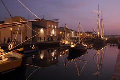 I presepi sulle barche - The cribs on the boats (Roberto Marinoni) Tags: cesenatico emiliaromagna barche boats presepe crib bellitalia canale riflessi reflections