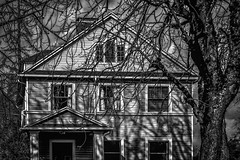 Haunting (splatwriter) Tags: contrast haunted house moody