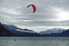 Kitesurfing @ Plage d'Albigny @ Lake Annecy @ Annecy-le-Vieux (*_*) Tags: france hautesavoie 74 annecy annecylevieux lacdannecy lakeannecy lac lake mountain autumn automne fall 2018 october beach plagedalbigny kitesurf kiteboard wind kitesurfing kitesurfer kiteboarding