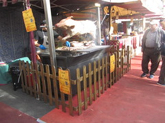 Roast  Pork,   The Cervantine Fair, Alcalá de Henares, October 2018 (d.kevan) Tags: cervantinefair alcaládehenares october 2018 streetscenes stalls signs people madrid meat pork spit fences cook food