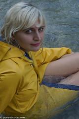 Original yellow rubber Friesennerz (60 pics) (sexyrainwear_dot_online) Tags: wellies rubberboots rainboots gummistiefel wetlook wetclothes friesennerz ostfriesennerz raincoat rainjacket rainmac rainwear raingear regenmantel regenjacke regnjakke regnjacka sadetakki ciré cire imper imperméable impermeable chubasquero capadechuva レインコート 비옷 regntøj