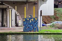 76 Paris décembre 2018 - canal Saint-Denis, sous le pont de l'autoroute A86 à Saint-Denis (paspog) Tags: paris saintdenis canal kanal canalsaintdenis streetart mural murals fresque fresques tags graffitis pont bridge brücke autoroute