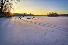 Last Light On The Lake - Hyland Lake Park Reserve (j-rye) Tags: sunset sonyalpha sonya7rm2 ilce7rm2 mirrorless snow lake sun