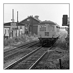 Not what it seems.... (david.hayes77) Tags: beeston nottinghamshire notts ng9 cravens dmu monochrome mono ilfordfp4 bw blackandwhite 1976 square mr midlandrailway gloucesterrcw e56469 e51125 class141 class100
