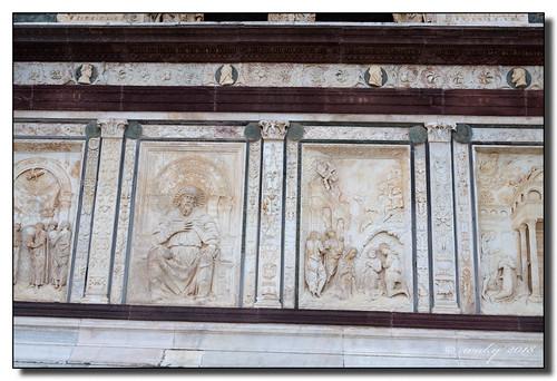 Detalle de la fachada de la Certosa de Pavía