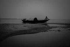 DSC_3425 (fatimatujjohora) Tags: river boat boatman blackandwhite tone