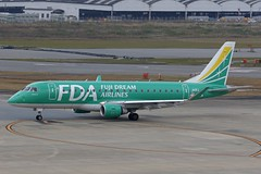 JA11FJ FUK 17.12.2018 (Benjamin Schudel) Tags: fuk fukuoka international airport japan fda fuji dream embraer erj emb ja11fj