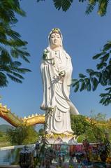Sam Roi Yot (sillie_R) Tags: nationalpark samroiyot statue temple thailand prachuapkhirikhan th