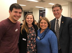 "Arlington Dems potluck for furloughed federal workers • <a style=""font-size:0.8em;"" href=""http://www.flickr.com/photos/117301827@N08/32953351558/"" target=""_blank"">View on Flickr</a>"
