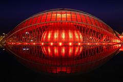 Hemisfèric (TAKleven) Tags: fuji fujifilmfujinonxf1024f4rois red rød rødt water vann speil mirror valencia spain espania spania architecture arkitektur nightphotography night natt nattfoto modern nightscape city cityscape