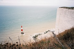 Seven Sisters (cranjam) Tags: ricoh gr1 gr1v film kodak ektar100 england inghilterra sevensisters cliff scogliera uk white bianco lighthouse faro sea mare englishchannel lamanica beachyhead