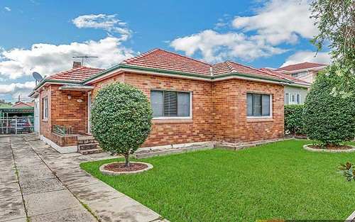5 Ecole St, Carlton NSW 2218