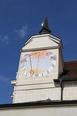 Burghausen: Sonnenuhr am Turm der Klosterkirche Raitenhaslach (Helgoland01) Tags: burghausen bayern deutschland germany oberbayern kirche church raitenhaslach kloster zisterzienser barock