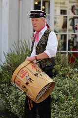 IMG_7640_1728x2592 (Graham Ó Síodhacháin) Tags: tenterdenfolkfestival 2012 tenterden folk festival morrisdancers cocothebutterfields creativecommons