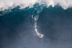 KaiLennytowshow2Lynton (Aaron Lynton) Tags: jaws peahi surf surfing maui hawaii jawschallenge peahichallenge jawschallenge2018 bigwave bigwavesurfing bigwaves bigwavesurf xxl wsl lyntonproductions canon pushing limits legends