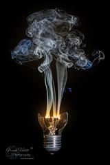 Burn out... (Frank Heldt Photography) Tags: glühbirne brennen strom spannung broken burnout feuer rauch frankheldt foto photo fotografie fotograf