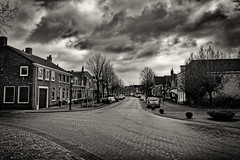 Silent Street (Alfred Grupstra) Tags: blackandwhite architecture old house buildingexterior street history builtstructure urbanscene oldfashioned europe outdoors town england cultures city nopeople facade monochrome cityscape