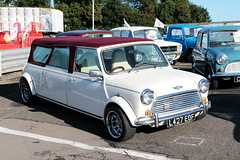 1993 Stretched Rover Mini Cooper L427EOF Brands Hatch MIni Festival 2018 (davidseall) Tags: 1993 rover mini cooper l427eof l427 eof stretched classic old shape style original brands hatch 2018 4 four door limousine festival