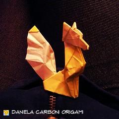 """Senza nome"" Modello creato adesso. Primo abbozzo. -------------------------------------------- ""Unnamed"" Model created now. First draft.  #origami #cartapiegata #paperfolding #papiroflexia  #paper #paperart #createdandfolded #originaldesign   #danielacar (Nocciola_) Tags: paperart cartapiegata createdandfolded papiroflexia paperfolding originaldesign danielacarboniorigami paper origami"