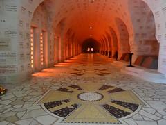 Mémorial de Douaumont (Cherryl.B) Tags: guerre victoire mémoire mémorial victimes tombes marbre meuse verdun