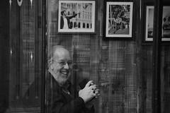 Man and Bird (Bury Gardener) Tags: burystedmunds suffolk england eastanglia uk streetphotography street streetcandids snaps strangers candid candids people peoplewatching folks 2018 nikond7200 nikon e bw blackandwhite monochrome mono abbeygatestreet