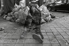 "Proyecto ""ciudad MALDITA"" (7/15) (nieves.valderrama) Tags: blackandwhite blackandwhiteperfection blackandwhitephotography blacknwhite bnw bw bwphotography city composition conceptualart contrast doubleexposure finalproject madrid malditaciudad monochrome multipleexposure nofilter personalproject photoshoot picoftheday storytelling town visualstory"