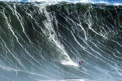 TOM BUTLER / 0252ANB (Rafael González de Riancho (Lunada) / Rafa Rianch) Tags: surf waves surfing olas sport deportes sea mer mar nazaré vagues ondas portugal playa beach 海の沿岸をサーフィンスポーツ 自然 海 ポルトガル heʻe nalu palena moana haʻuki kai olahraga laut pantai costa coast storm temporal