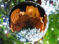 Happy Christmas from Florence Italy (gallftree008) Tags: happy xmas from florence italy christmas babble tree green reflection reflective reflected duomo international