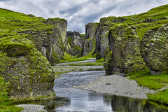 Fjaðrárgljúfur (RobertLx) Tags: fjaðrárgljúfur iceland island nordic arctic canyon nature landscape green river water grass europe kirkjubæjarklaustur icelandiclandscape 64