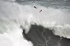 LUCAS CHIANCA / 6176NBW (Rafael González de Riancho (Lunada) / Rafa Rianch) Tags: surf waves surfing olas sport deportes sea mer mar nazaré vagues ondas portugal playa beach 海の沿岸をサーフィンスポーツ 自然 海 ポルトガル heʻe nalu palena moana haʻuki kai olahraga laut pantai costa coast storm temporal