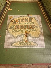 La Crosse, WI Arenz all leather Shoes (army.arch) Tags: lacrosse wisconsin wi downtown historic historicdistrict nrhp nationalregister nationalregisterofhistoricplaces night city photography arenz shoes storefront tile