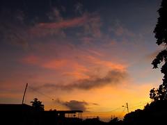 Golden Hour (clpi95) Tags: paisaje amanecer golden sky cielo nubes clouds tropical