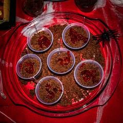 30_HALLOWEEN_JESSICA (pc.o.fotografo) Tags: comida aniversário festa rio de janeiro rj brasil 2018 bolo doce petisco pirulito popcake bebida família amigos galera decoração jéssica boo halloween fantasia bruxa ou travessura abóbora velas mortos vampiro espantalho sangue aranha rato barata lacraia poção caldeirão veneno jantar cachorro quente dedo caveira esqueleto morcego balas biscoito jujuba confeitos gelatina com olhos pizza seringa cachaça diabinha monstro noivos jason cowboy fantasma dança neon raio laser fumaça brinde taça vinho ponche música