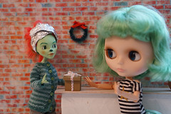 Blythe A Day 19 December 2018 - Santa Claus Conquers the Martians (omgdolls) Tags: blythedoll blythe matt pureneemobody florentinatbl monsterhigh repainted blytheaday december