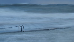 Storm (jurgenkubel) Tags: wellen vågor waves stenar stones rocks steine water vatten wasser see sea sjö hav meer golden goldene balticsea östersjön ostsee