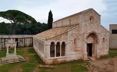 Santa Maria di Cerrate (Mauro Bettarel) Tags: puglia salento italia bellezze monumenti arte architettura architecture santa maria di cerrate chiese chiesa abbazia