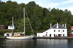 Kames 2018 004_7920 (Mike Snell Photography) Tags: yacht boat vessel crinancanal canal basin canalbasin crinan argyllandbute scotland water pub