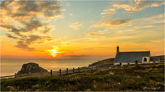 Sunset  -  Chapelle Saint-They  -  Pointe du Van  - (suignard bruno) Tags: sunset pointeduvan pointeduraz bretane brittany france finistère brunosuignard coast landscape paysage chapel chapelle saintthey church