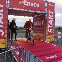 Het moment van de dag! #nktegenwindfietsen @NKTegenwind @BicyclingNL @AlpecinCycling #ertegenaan #klaarvoordestart Met dank aan Marnix de Jonge.