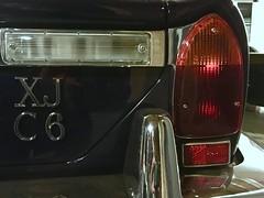 Jaguar XJ-C 6 Coupé 4.2 C I 1975-1978 (Transaxle (alias Toprope)) Tags: badges mascots logos emblem badge mascot logo oldtimer classics vintage historic veteran clasico antique auto autos car cars carro carros coche coches kraftwagen macchina macchine voiture voitures soul beauty power toprope altmoabit wiebestrasse meilenwerk classic remise berlin السيارات 車 jag british britcar 2doors 2door jaguar xj xjc coupe 1975 1976 1977 1978 retro autoretro series2 mk2 vinylroof vinyl internalcombustionengine sportscar sportcars classiccar classiccars vintagecar vintagecars historiccar historiccars autostoriche classicremise