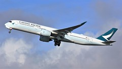 B-LRV (AnDyMHoLdEn) Tags: cathaypacific a350 oneworld egcc airport manchester manchesterairport 23r