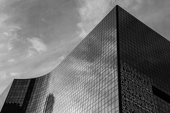 Monumental (Austin Westervelt) Tags: chicago bw blackandwhite blackwhite monochrome building architecture curves glass reflection sky clouds city urban cityscape lines