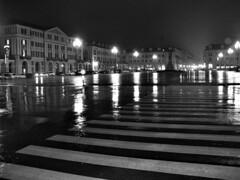 IMG_3765 - Rainy night - Notturno con pioggia - (angelo appoloni) Tags: notte pioggia piazza lampioni strisce pedonali riflessi sul bagnato night rain square streetlights zebra crossing reflections wet