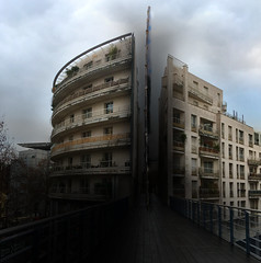 Taillons-nous ! run for your life! (Le.Patou) Tags: paris 12 iphonese iphone montage photomontage effect trickery trucage city cityscape street streetview building saw sawing horror dark humor jsslll